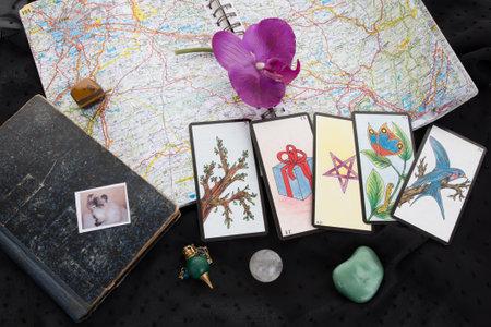 parapsychology: Tarot cards Editorial
