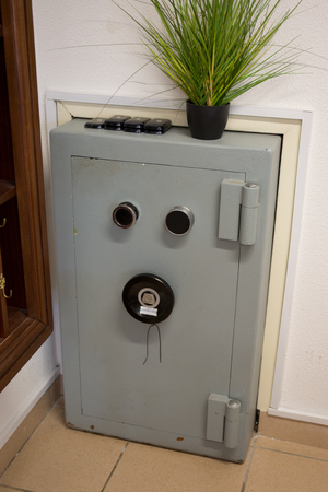 combination: Grey Safe with combination lock - flower on the top
