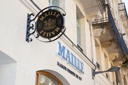 Bordeaux, Aquitaine  France - March 22 2019 : Maille boutiques around the world offer customers another way to experience our full range of special, premium mustards, oils, cornichons 報道画像