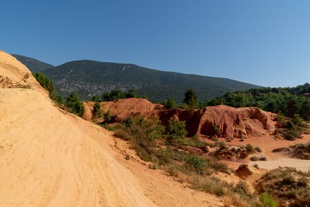 red ochre cliffs of Roussillon in luberon France Stockfoto