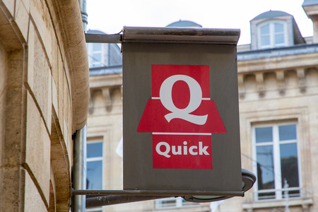 Bordeaux , Aquitaine  France - 11 25 2019 : Quick restaurant sign logo store chain of hamburger fast food restaurants shop 新聞圖片