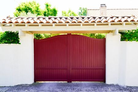 red design home metal aluminum gate of modern house