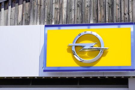 Bordeaux , Aquitaine / France - 06 20 2020 : opel car yellow logo sign for German automobile manufacturer 新聞圖片
