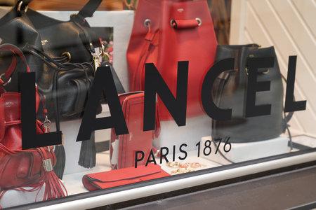 Bordeaux, Aquitaine / France - 07 30 2020: Lancel paris logo and sign on windows french luxury shop in city street Éditoriale