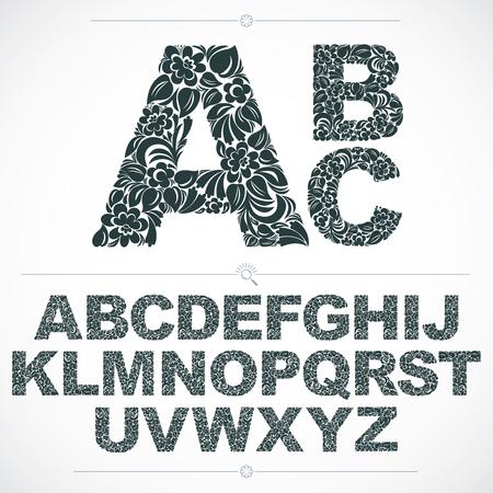 Fuente floral, vector letras del alfabeto de capital hechas a mano adornada con el modelo botánico. mecanografiado ornamental blanco y negro, las letras del diseño de la vendimia.