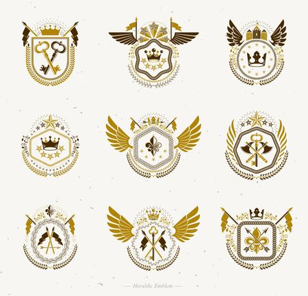 Heraldic emblems with wings isolated on white backdrop. Collection of vector symbols in vintage style created using heraldry elements like crowns, towers, crosses and armory. Banque d'images - 131135831