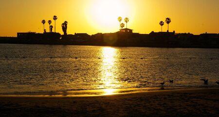 Zonsondergang bij Zilveren Bundel in Oxnard, Californië