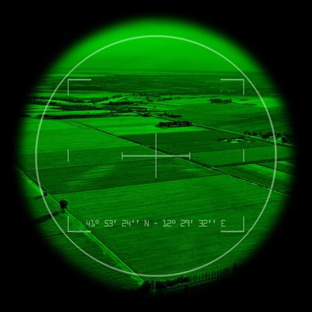 sucher: Leere Ansicht innerhalb einer milit�rischen Monokulare. Night Vision Theme.