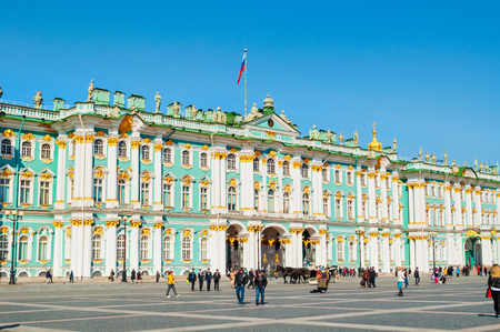 St Petersburg, Russia - April 5, 2019. State Hermitage Museum at the Palace Square. Winter palace and its precincts form the Hermitage Museum 報道画像