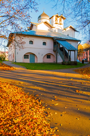 Veliky Novgorod, Russia. Church of the Myrrh-bearers at the Yaroslav courtyard, Veliky Novgorod, Russia. Autumn view Sajtókép