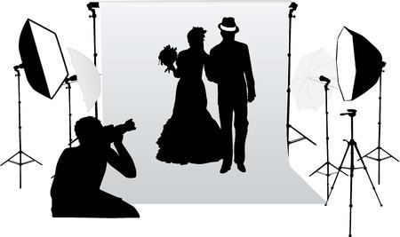 propuesta de matrimonio: Sesi�n de fotos de boda en un estudio profesional Vectores