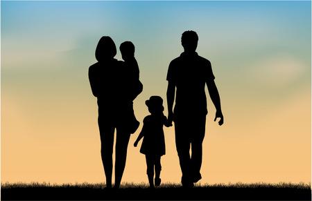 familj: Familje silhuetter i naturen.