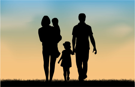 familia: Siluetas de la familia en la naturaleza.