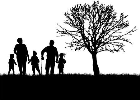 Familienschattenbilder in der Natur. Standard-Bild - 51240561
