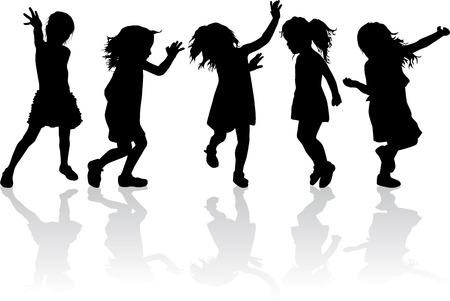 Silhouette di bambini che giocano.