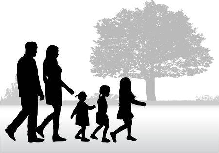 Famille Silhouette sur une promenade. Banque d'images - 71138573
