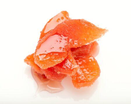 segmentar: segmento de membrillo confitado en mermelada dulce Foto de archivo