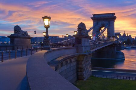 the chain bridge: Chain Bridge early in the morning, Budapest, Hungary