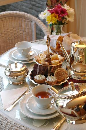 tazza di te: Tipico tè inglese Pomeriggio. Archivio Fotografico