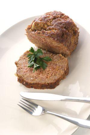 albondigas: pastel de carne en un plato blanco Foto de archivo