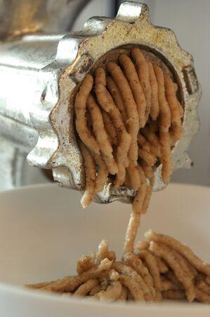 chicharrones: c�mo hacer los chicharrones de la manteca de cerdo asado Foto de archivo
