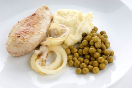 chicken fillet: mashed potato with chicken fillet, onion and organic pea