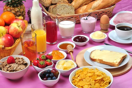 full breakfast with organic juice and jam Standard-Bild