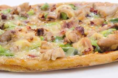 chicken meat: chicken meat pizza with green paprika