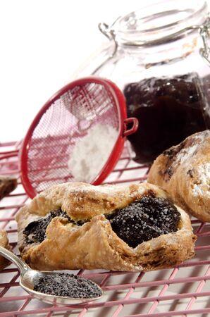 chicharrones: chicharrones pasteler�a manteca de cerdo con ciruelas y mezcla de semillas de amapola