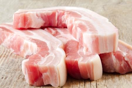木の板生産豚はらスライス 写真素材