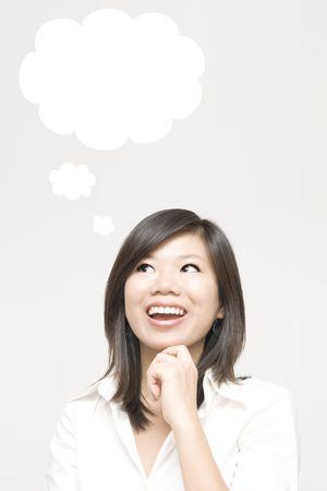 recordar: Ni�a con una burbuja de pensamiento