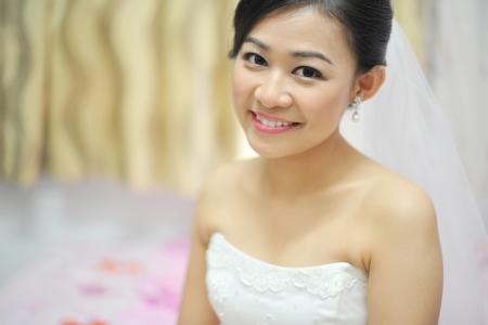 get ready: Asian sposa cinesi hanno attesa pronta per lo sposo