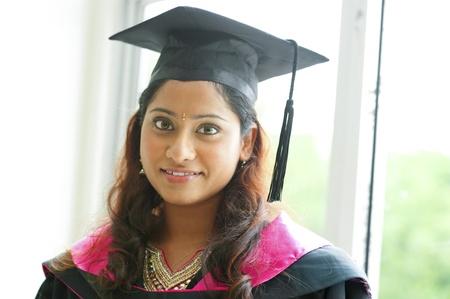 degree: Giovane asiatica ritratto Indiano studentessa coperta