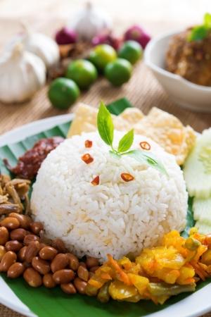 nasi: Nasi lemak traditional malaysian spicy rice dish Stock Photo