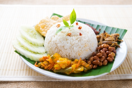 keropok: Nasi lemak, malay traditional rice meal