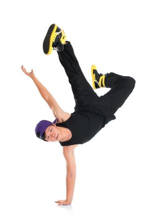 bailarin hombre: Completo cuerpo fresco en busca de Asia adolescente hip hop bailarina aislado sobre fondo blanco. Cultura asi�tica j�venes.