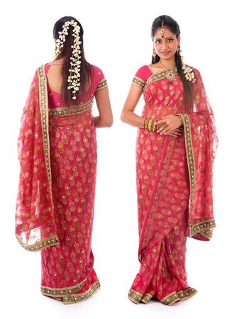 sari: Todo el cuerpo ni�a india en sari tradicional traje diferente �ngulo frontal y trasera de pie aislado en fondo blanco.