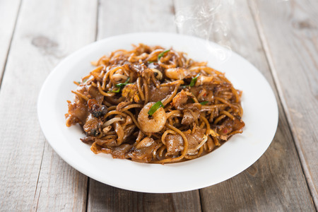 Fried Char Kuey Teow, popular noodle dish in Malaysia Foto de archivo
