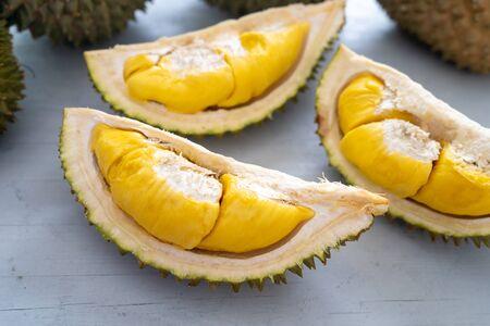 Maleisië beroemde vruchten durian musang koning, zoete gouden romige vruchtvlees.