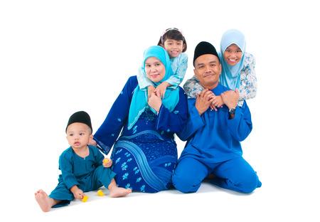 Schöne malay Familie Standard-Bild - 40882634