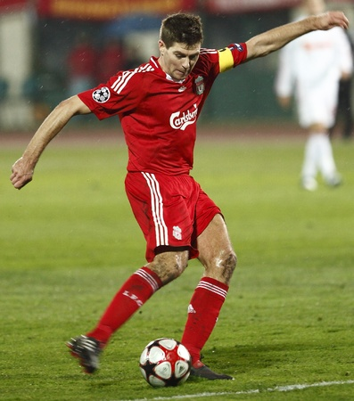 Budapest, Hungary - November 24, 2009 - Steven Gerrard of Liverpool during Debrecen vs. Liverpool UEFA Champions League group stage soccer match at Puskas Ferenc Stadium Stock Photo - 8461634