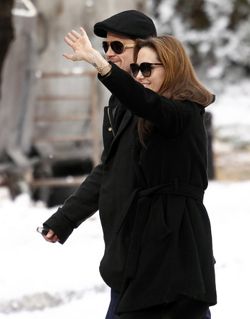 brad pitt: Brad Pitt (L) and Angelina Jolie (R) during Angelina Jolies movie shooting in 9th District, on 9th November, 2010, in  Budapest, Hungary.Brad Pitt (B) és Angelina Jolie (J) Angelina Jolie filmjének forgatásán a IX. kerületben, 2010. november 9-én,  Editorial