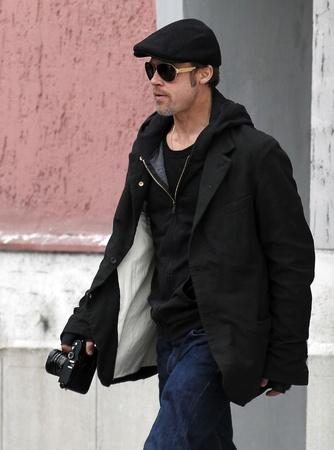 ブラッドピット アンジェリーナジョリーさんの動画撮影時に 9 区に 2010 年 11 月 9 日、上ブダペスト、Hungary.Brad ピット アンジェリーナ ・ ジョリー f 報道画像