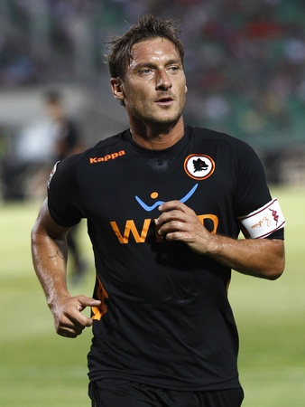 BUDAPEST - AUGUST 3: Francesco Totti of Roma during Vasas vs. AS Roma (0:1) friendly game at Puskas Stadium on August 3, 2011 in Budapest, Hungary. 報道画像