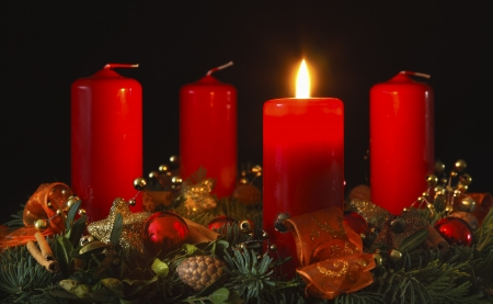 the advent wreath: Corona de Adviento