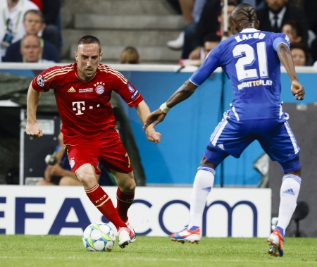 chelsea: MUNICH, May 19 - Kalou of Chelsea (R) and Ribery of Bayern during FC Bayern Munich vs. Chelsea FC UEFA Champions League Final game at Allianz Arena on May 19, 2012 in Munich, Germany.