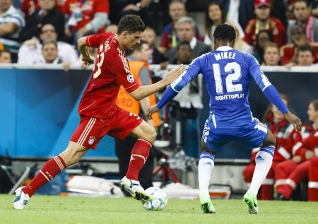 gomez: MUNICH, May 19 - Mikel of Chelsea (R) and Gomez of Bayern during FC Bayern Munich vs. Chelsea FC UEFA Champions League Final game at Allianz Arena on May 19, 2012 in Munich, Germany