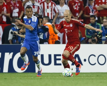 chelsea: MUNICH, May 19 - Bertrand of Chelsea (L) and Robben of Bayern during FC Bayern Munich vs. Chelsea FC UEFA Champions League Final game at Allianz Arena on May 19, 2012 in Munich, Germany.