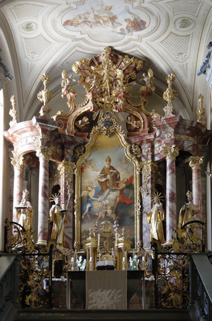 high altar: The interior of the Abbey of Tihany