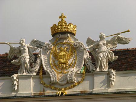 hofburg: La couronne royale sur le palais Hofburg, Wien